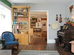 livingroom cabinet
